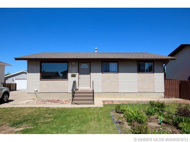 Real Estate Listing MLS 0061013