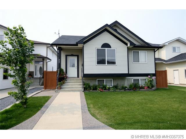 Real Estate Listing MLS 0067075
