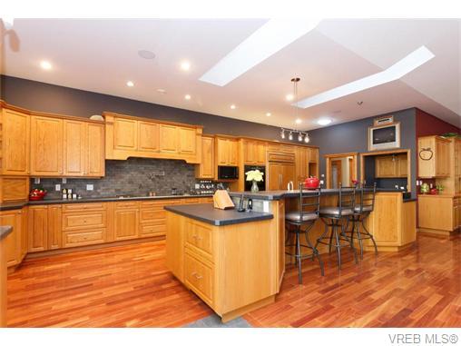 Real Estate Listing MLS 370427