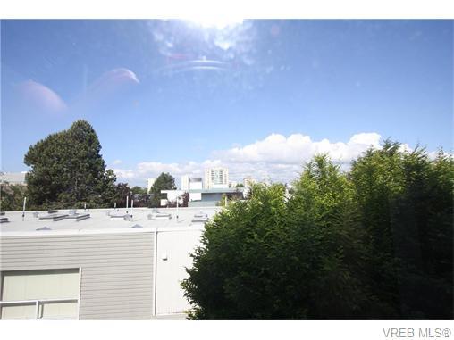 Real Estate Listing MLS 371796