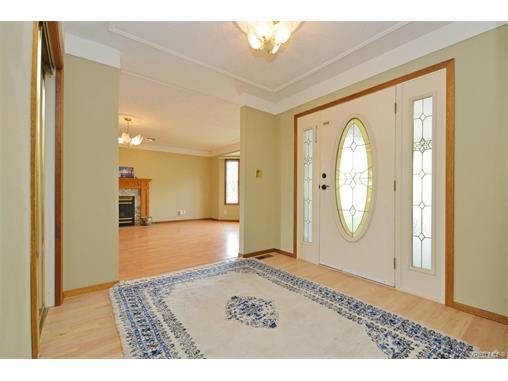 Real Estate Listing MLS 372982