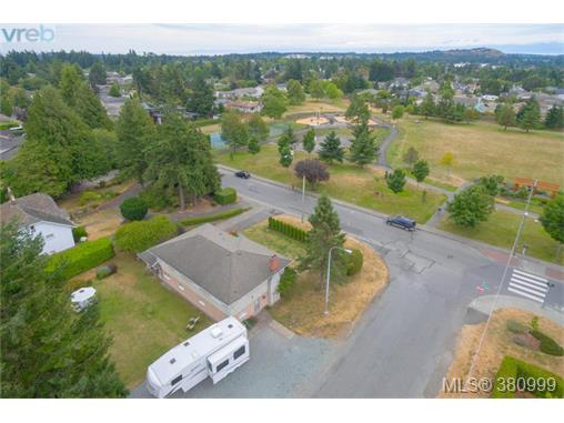 Real Estate Listing MLS 380999