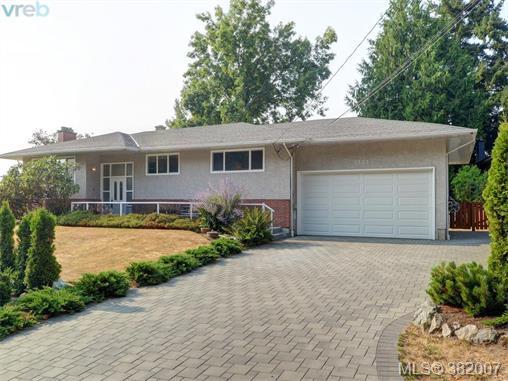 Real Estate Listing MLS 382007