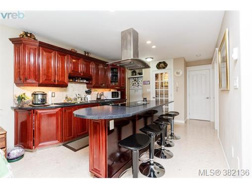 Real Estate Listing MLS 382136