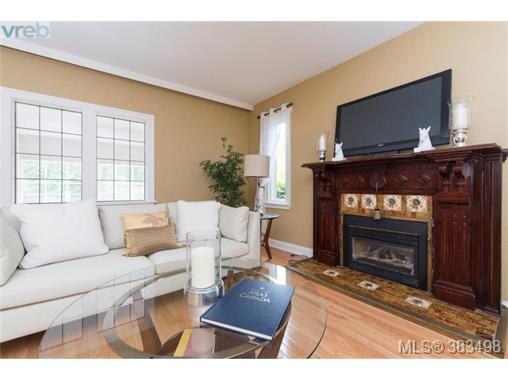Real Estate Listing MLS 383498