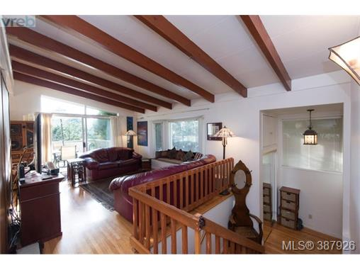 Real Estate Listing MLS 387926