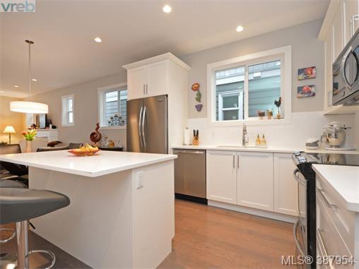 Real Estate Listing MLS 387954