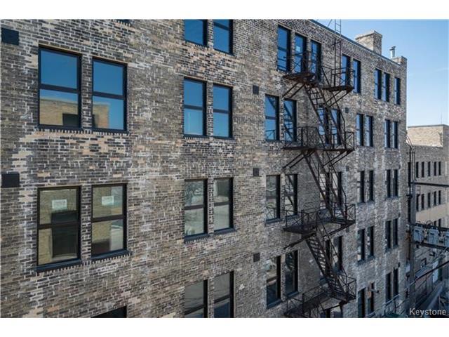 Real Estate Listing MLS 1725454